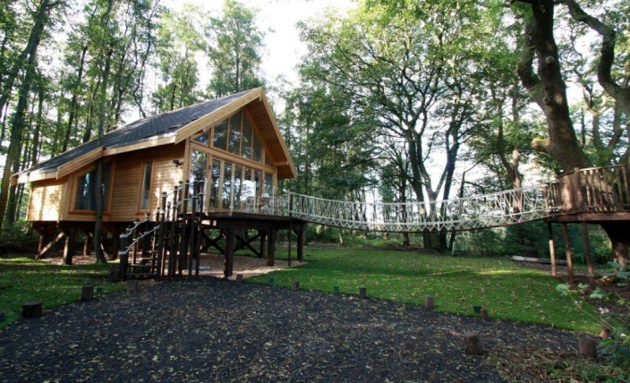 cleveleymere tree house eco lodge