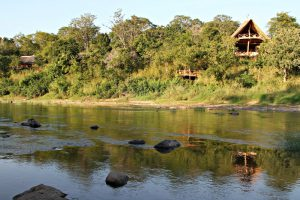 The Tongole Wilderness Lodge in Malawi, a treehouse designed by Blue Forest, works with the surrounding environment.