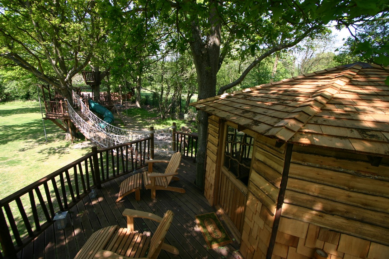 Adventure Decks Tree House With Rope Bridge by Blue Forest