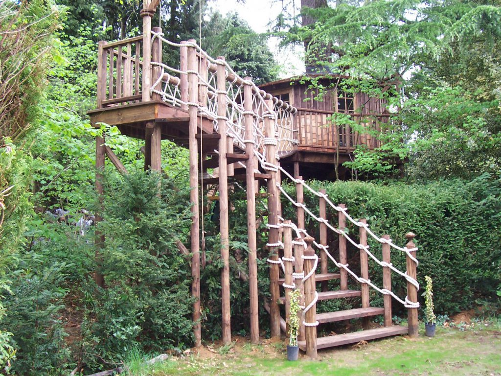 Secret Garden Tree House - Blue Forest Treehouses