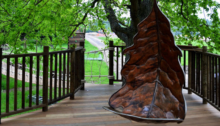 The Nook treehouse, designed and built by Blue Forest, has a plethora of outdoor seating.